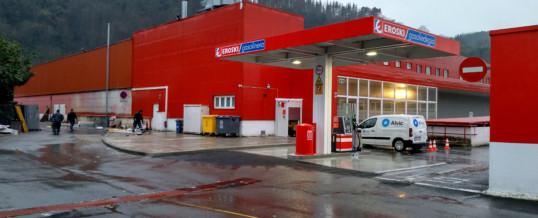 SiGLA entrega dos nuevas gasolineras a Eroski, una en Guipuzcoa y otra en Baleares